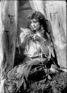 Beatriz Michelena (a/p/o) as Mignon in  Mignon  (1914).