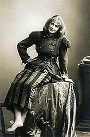 Dorothea Baird as Trilby in original theatrical production of Trilby, c.1895