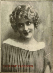 Fabienne Fabrèges (a/d/w) in La vita cinematografica (7-15 April 1918): 38.