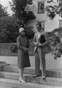 Gerda Hintze (w) and Carl Von Haartman on the set of Kajastus (1930) in 1929. KAVI (National audiovisual institute, Finland)