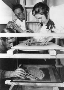 Lotte Reiniger at work. PC