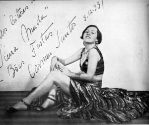 Carmen Santos's autographed photograph, dedicated to the readers of A Scena Muda, PC