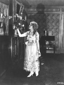Mary Pickford (a) The Little American (1917), PCJY