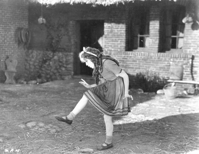 Mary Pickford in Through the Back Door (1921), written by Marion Fairfax (d/p/w/e/o), PC