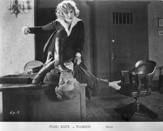 Pearl White (a) Plunder,  (1923)