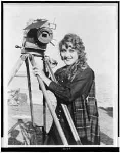 Women_as_Camera_Operators_fig1_WFP-PIC20